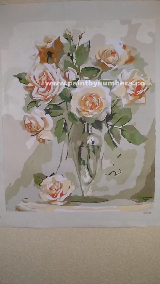 Pink roses in glass vase1